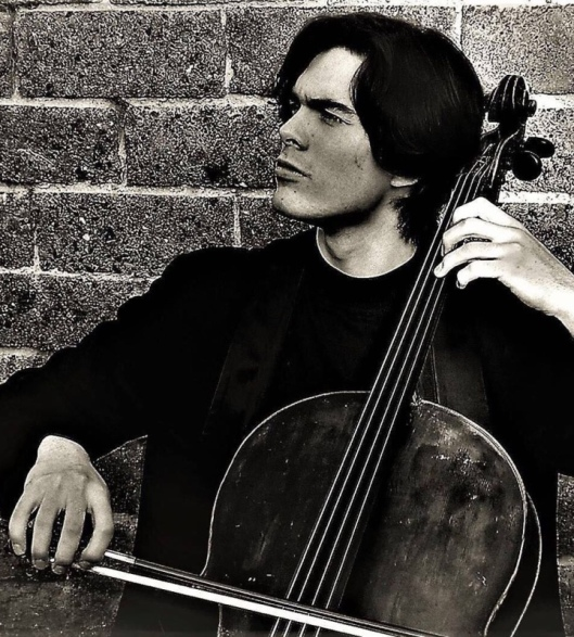 Pablo Laporev, cello